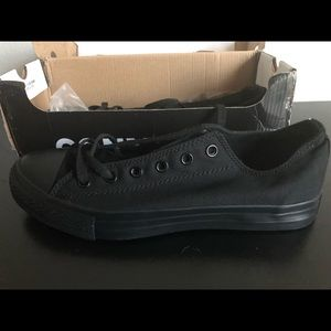 *Moving sale* Brand new Black Converse